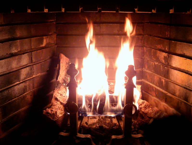 798px-Fireplace_Burning